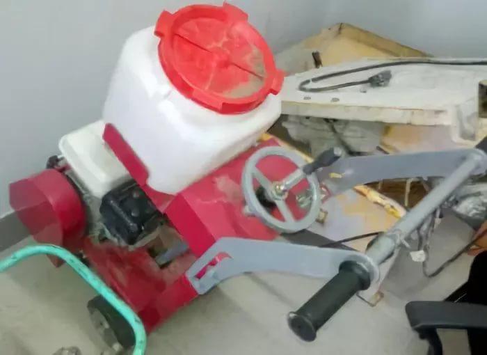 Замена или установка(при его отсутствии) водяного бака,при необходимости- монтаж необходимого крепежа
