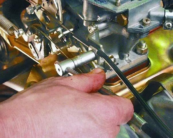 Замена успокоительной пружины тяги дроссельной заслонки мотоблока