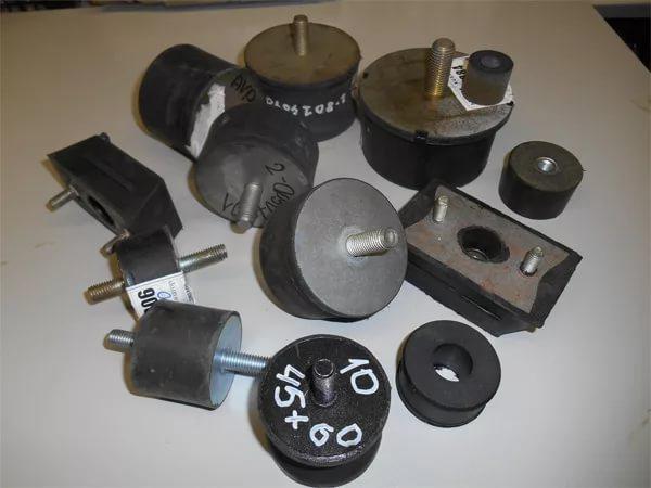 Замена амортизационной подушки (двигателя / ручек / бака) виброплиты