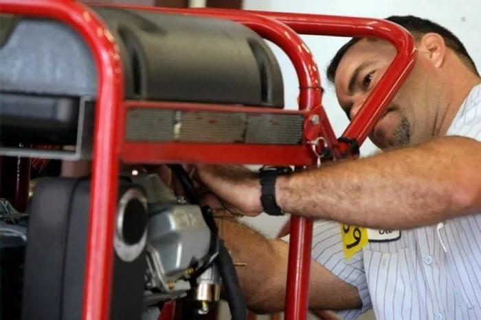 Замена / установка глушителя бензогенератора
